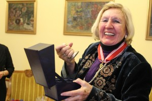 Prof. Dr. Detter de Frankopan receiving the Great Seal of Poznan in Poland, March 2013, for her international legal work, charity, and contributions to the Catholic Church.